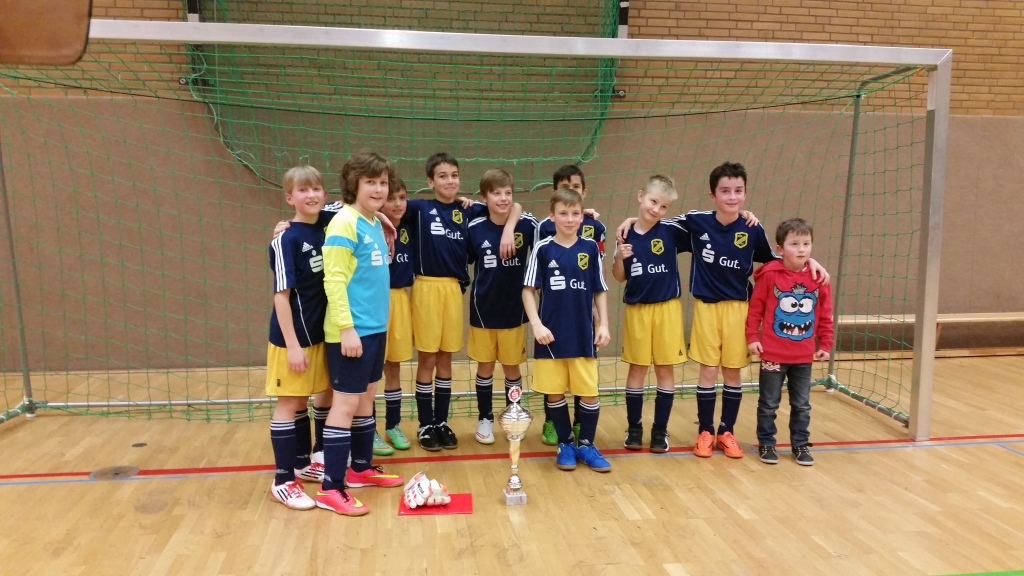 E-Jugend vom DJK Märkisch feiert Hallenfußball Stadtmeisterschaft